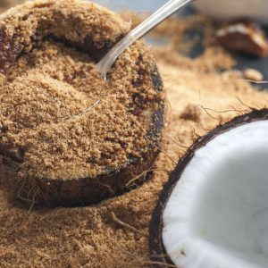 Кокосовата захар е една от най-полезните алтернативи на бялата захар
