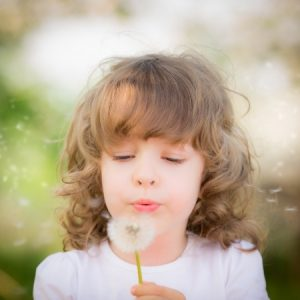 Какво причинява алергиите?