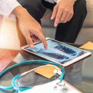 Интерстициална белодробна болест – признаци, симптоми, диагностика и рискови фактори