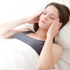 Недостигът на сън ни прави самотни