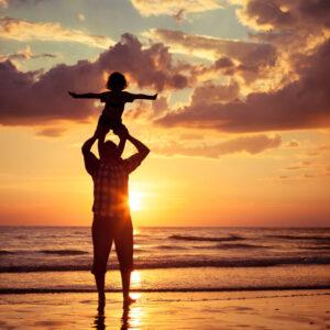 Деца, които учат с бащите си, успяват повече